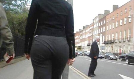 Mulheres obesas xvideos amadora gostosa com Peitos grandes mostram seu charme na webcam