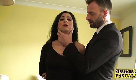 O desenvolvimento de uma vagina com um x video gay amador vibrador Larisa sentiu um orgasmo incrível