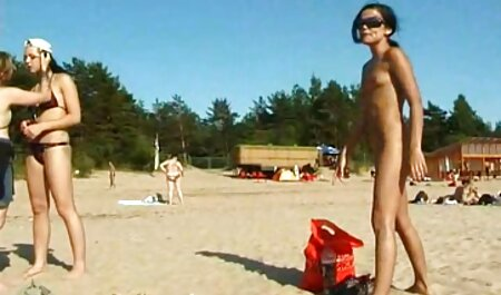 BDSM lésbicas experientes mulheres dar a menina um doce tortura no x videos caseiros novinhas porão