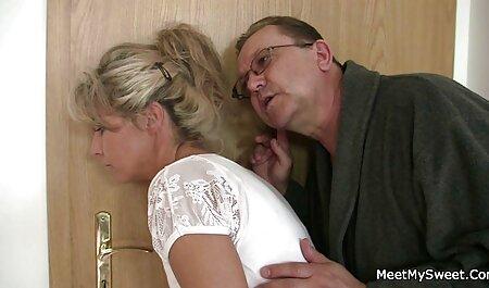 Uma boa senhora se masturba com um vibrador e termina x videos anal amador com uma abundância