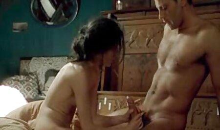 Português beleza masturbates e xvideos amador nacional recebe orgasmo