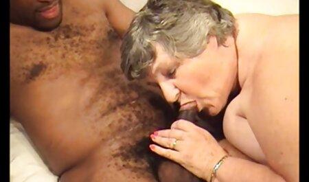 Ásia caiu nas mãos de um velho Cowboy ocupado e mijo em xvideos amador boquete seu rosto