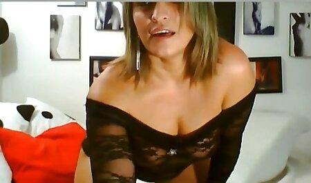 Khokhlushka inserção vibrador em xvideos amadores sua vagina e fazendo masturbação pela piscina