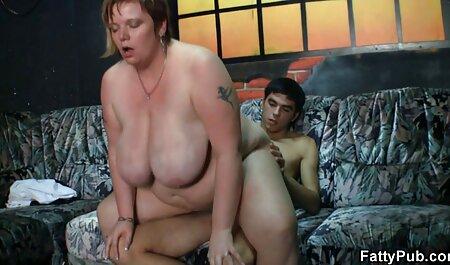 A menina boquiaberta, depois acorda os vizinhos e a x vídeo pornô amador abandona