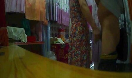 Uma mulher idosa com uma figura magnífica mostra xvideos amador corno Masturbação