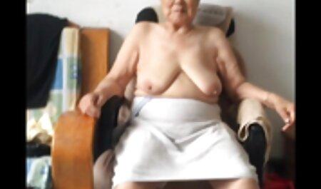 Morena graciosamente sem calças mostrando em topless xvideos amadoras gostosas
