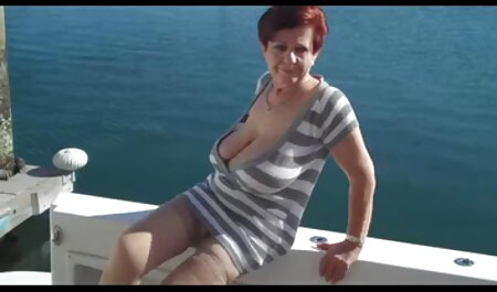 Stripper com belo corpo esfregando x videos amadora Membros contra o cliente