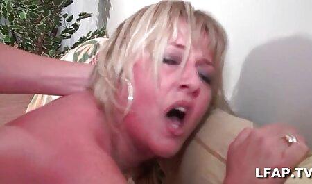 Aluna lésbica juntos Escravidão jogo com uma dildo xvideos amadoras anal em a sala de aula