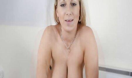 Maduro mamãe ensinar jovem senhora como para handle amadores xvideos uma pênis