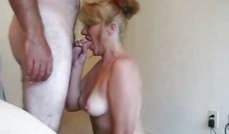 Menina com burro redondo o xvideo amado amor é dedilhado dela chapéu em natural